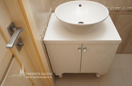Vonios baldai 10